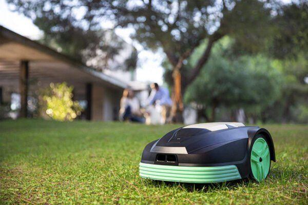 Robots Cortacésped: ¡El jardinero que necesitas!